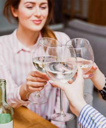 vasos blancos lavavajilla