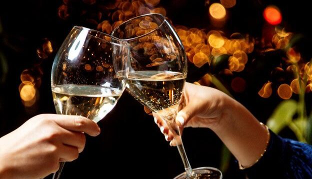 La mejor forma de limpiar copas de vino.