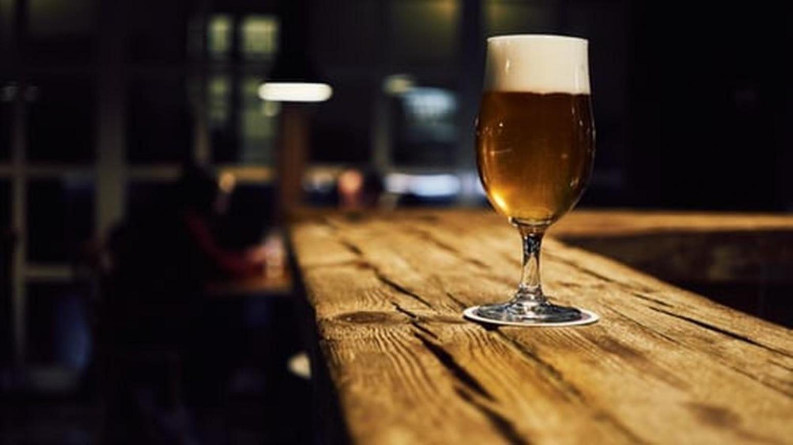 espuma cerveza vaso irrompible